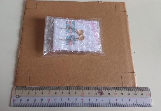 ピアスの梱包箱の作り方2