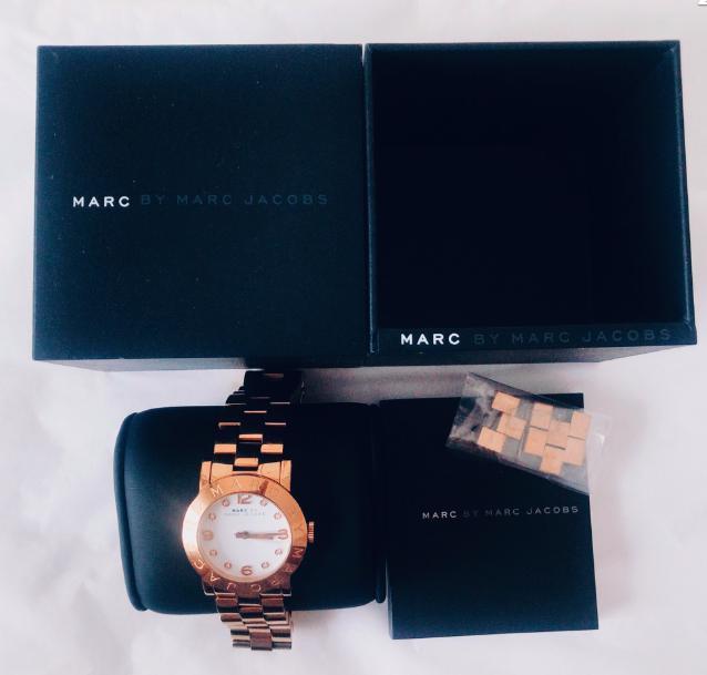 箱ありの腕時計の梱包方法1