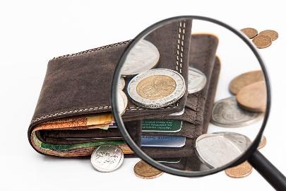 財布の小銭入れの汚れ