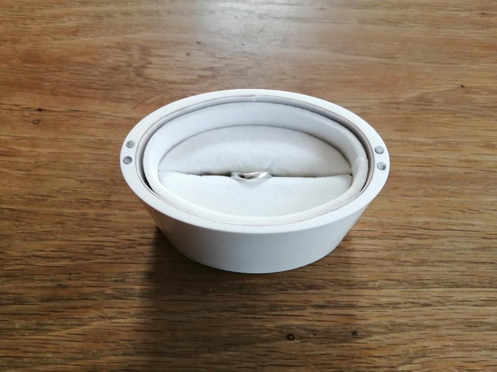 箱付きの指輪の梱包方法2