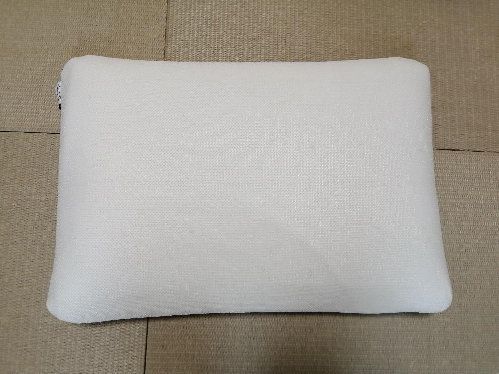 枕の梱包方法1