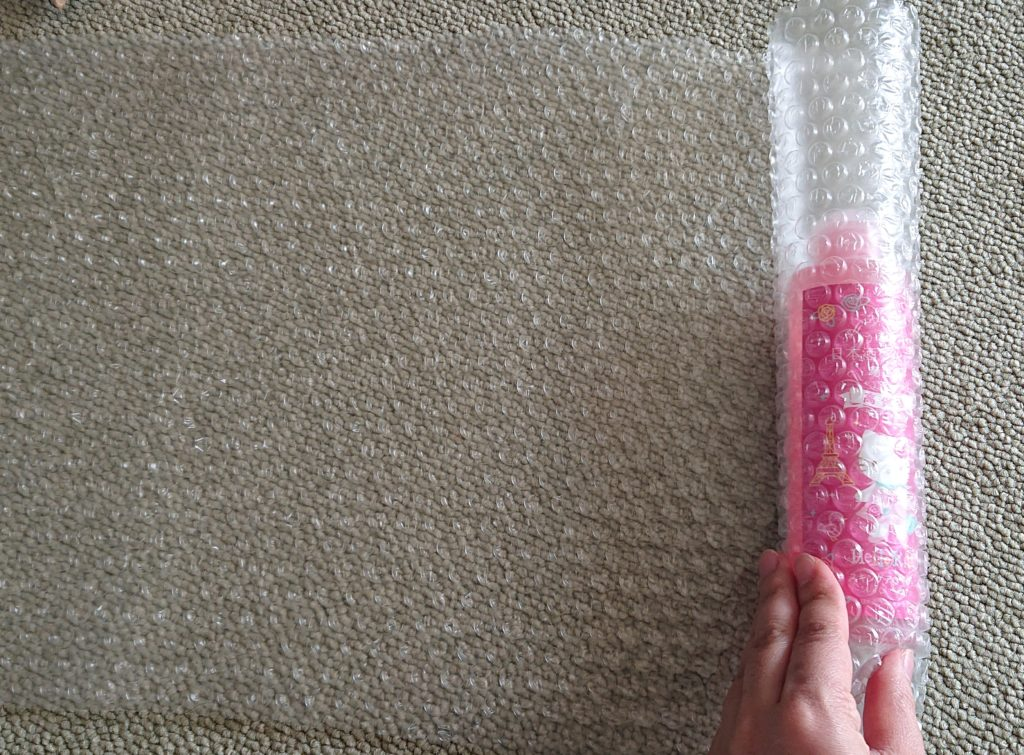 プチプチで丸い物を包む方法
