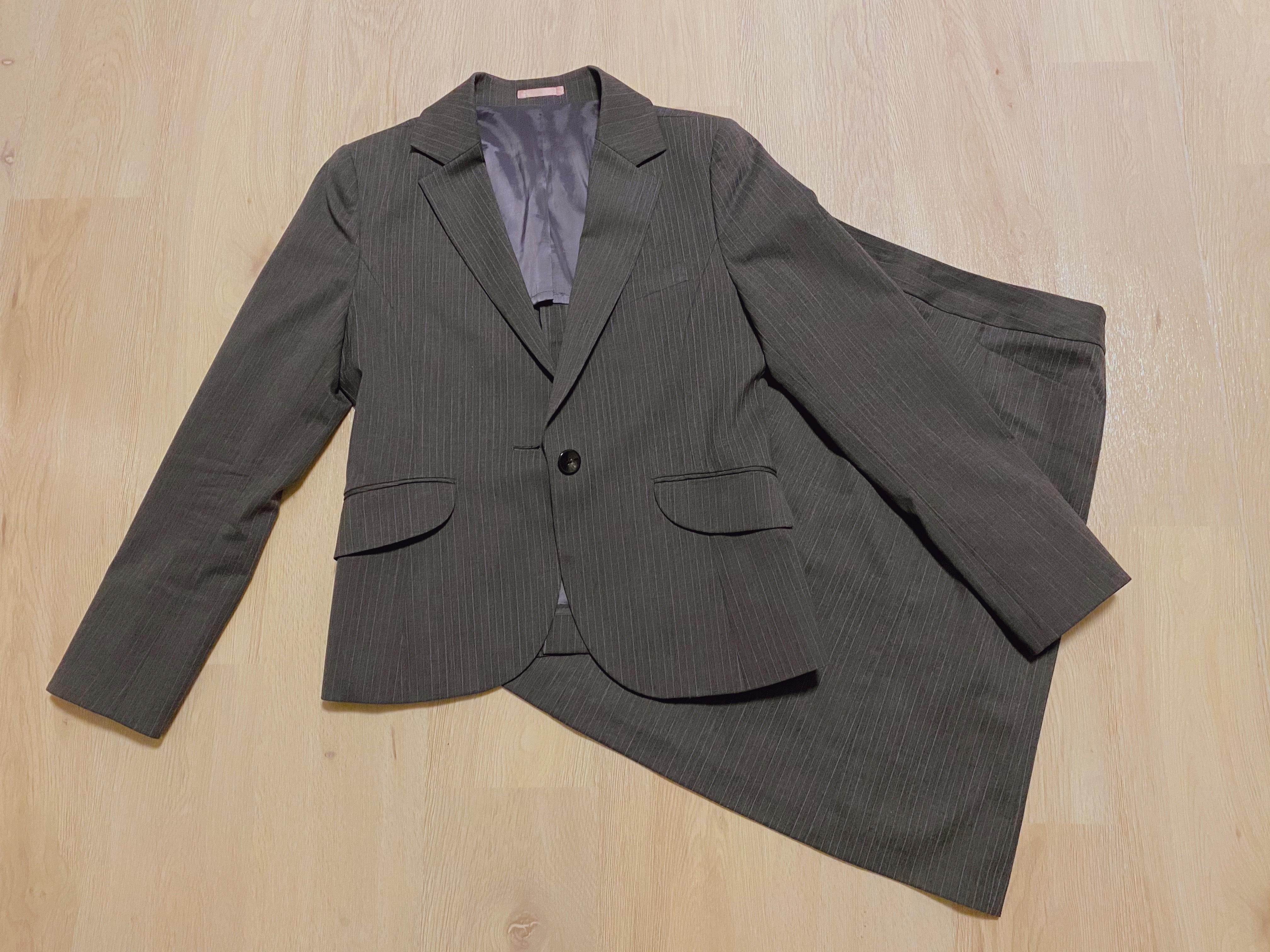 スーツの梱包1