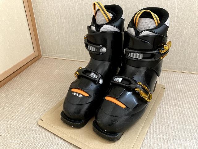 スキーブーツ梱包手順